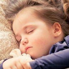 訓練孩子自己獨立睡覺的7個方法