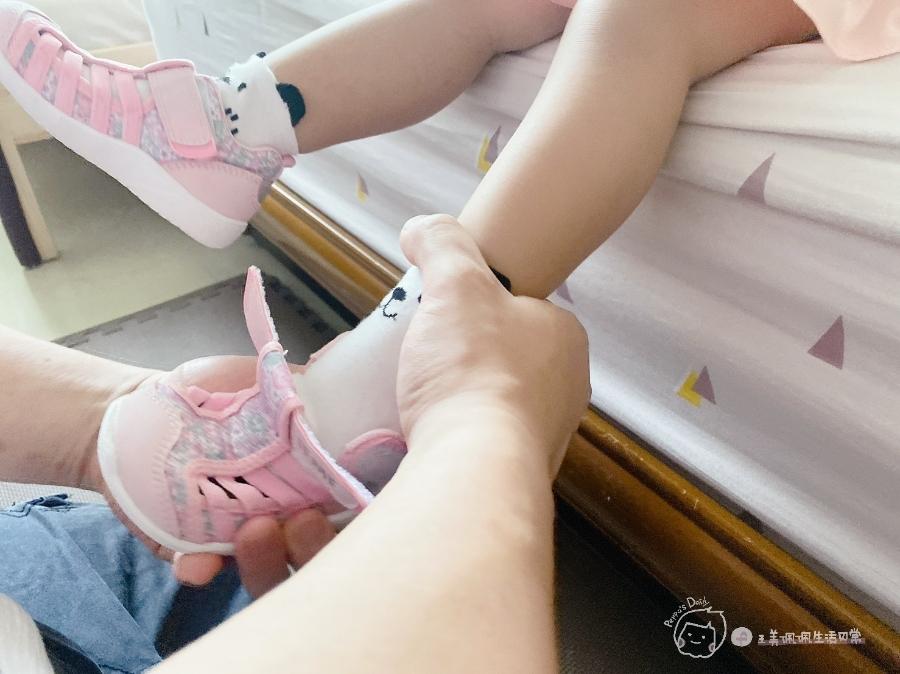 寶寶的第一雙日本IFME機能童鞋 夏天就該有一雙透氣水涼鞋_img_38