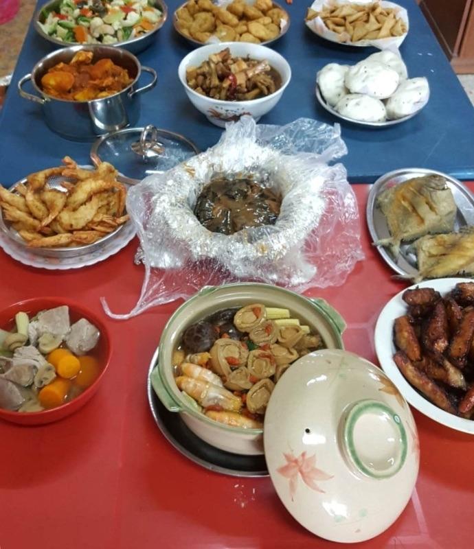 除夕除了準備年菜,也要準備迎新年賀歲的發糕 要讓家人平平安安發財賺大錢。 #年菜 #年菜