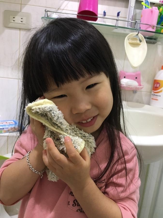 NatureMe棉花糖絨小方巾,是個柔軟的好物