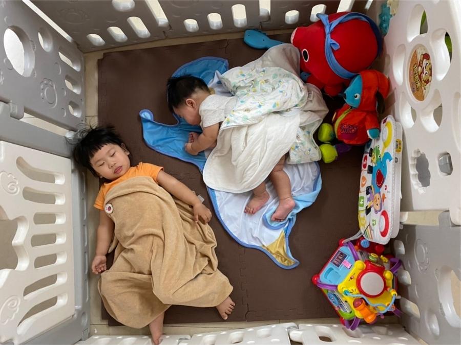 育兒好物 室內外都能用的孩子安全快樂小天地-小鹿蔓蔓折疊遊戲圍欄_img_2