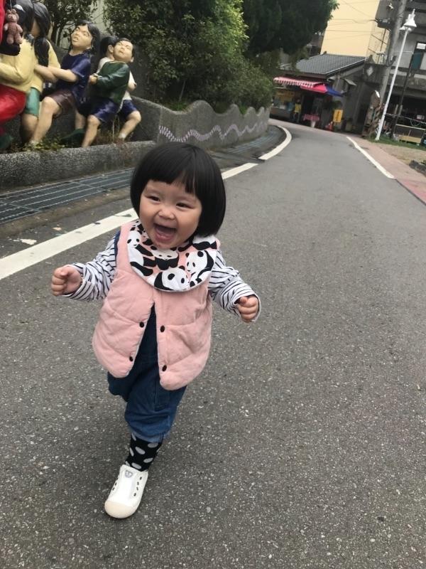 歐妮Oni❤️麻媽有妳這麼愛撒嬌的女兒~好幸福喔! #爸爸去哪兒