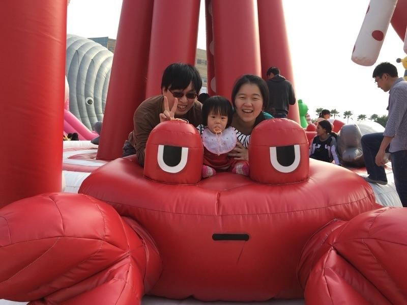 小蘋果氣墊展初體驗 紅螃蟹好討喜 #親子旅遊