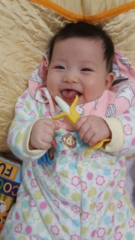 """#爸爸去哪兒 你的笑容是爸比媽咪化解辛勞的泉源 我的寶""""芳"""