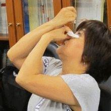 點眼藥方式不正確 當心角膜刮傷