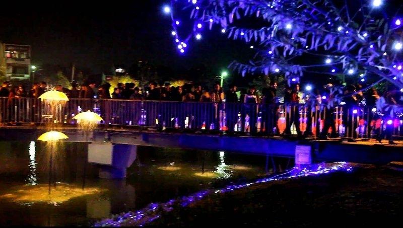 今年春節特地來台南月津港燈節看燈會,雖然人潮很多很擠,但是台南月津港燈節真是名不虛傳,美不勝收~! #親子旅遊
