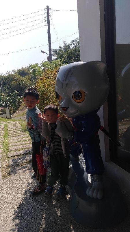 年初三,親戚家人相約在玉井山上的隱田山房一起吃飯聊天,小朋友們玩得好開心。 #親子旅遊