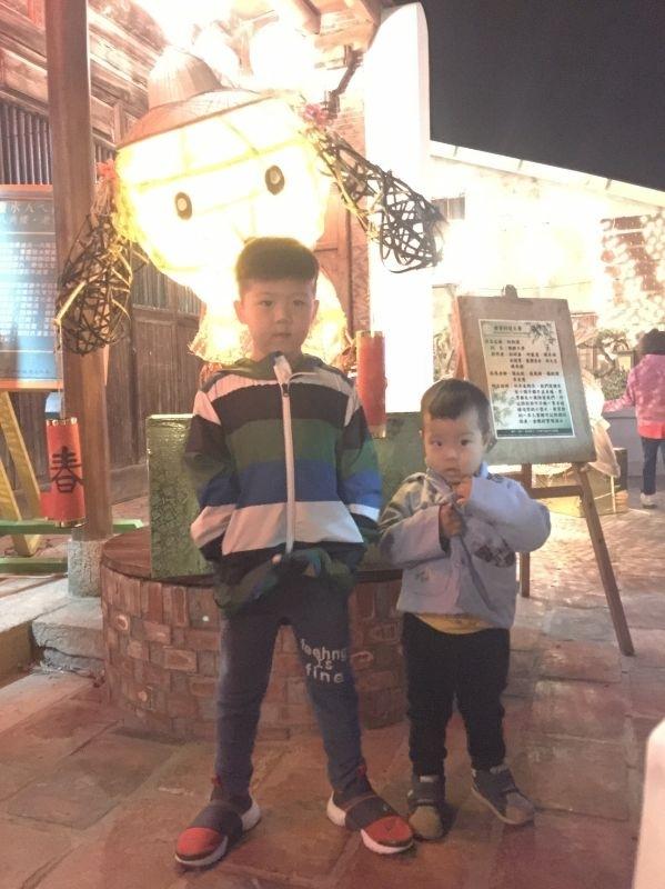 今天是大年初四,接神的日子!台南鹽水月津港燈節帶孩子去看燈會 #親子旅遊