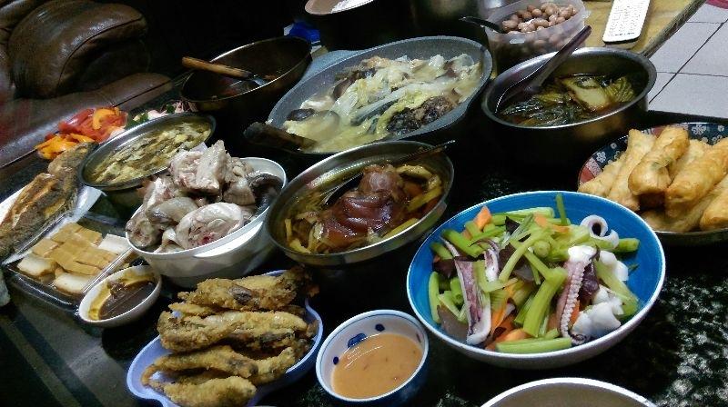 過年全家團圓享受美味年菜,熱熱鬧鬧的真的很幸福! #年菜