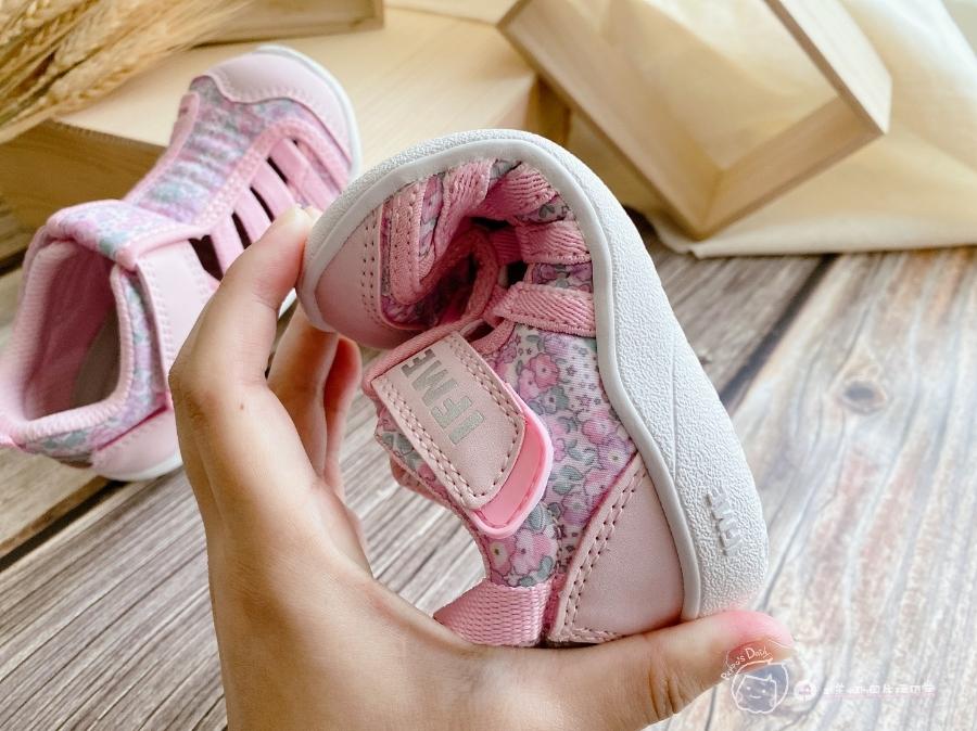 寶寶的第一雙日本IFME機能童鞋 夏天就該有一雙透氣水涼鞋_img_10