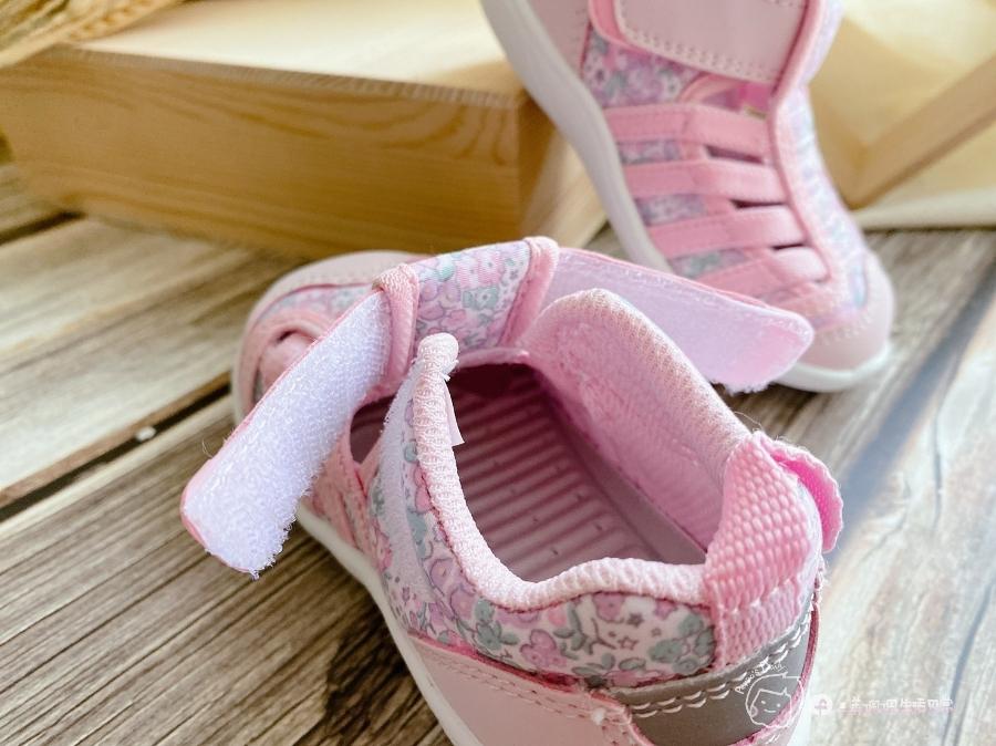 寶寶的第一雙日本IFME機能童鞋 夏天就該有一雙透氣水涼鞋_img_35