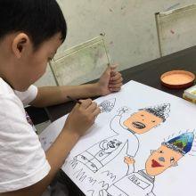 和孩子一起擁抱藝術一起學習也是很棒的親子互動~