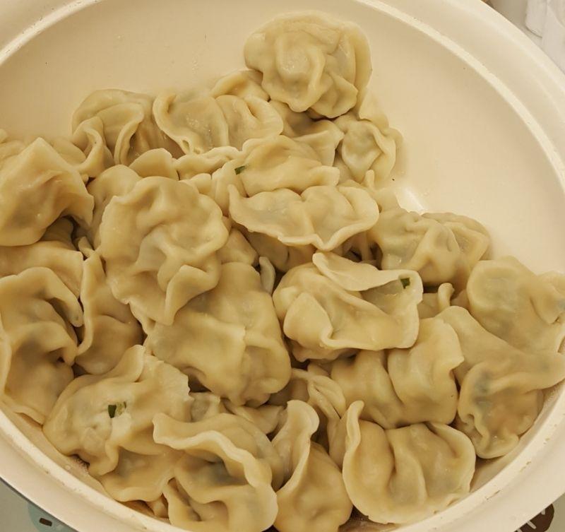 不想煮飯的假日,3人份臉盆水餃+青菜簡單好吃 #我的媽媽力 #年菜