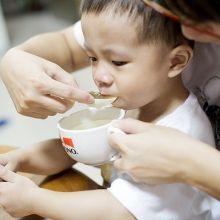 吃藥前後「舔」冰棒,餵孩子吃藥變得更順利!