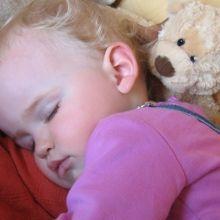 研究指出兩歲後的孩子若午睡,可能降低夜間睡眠品質