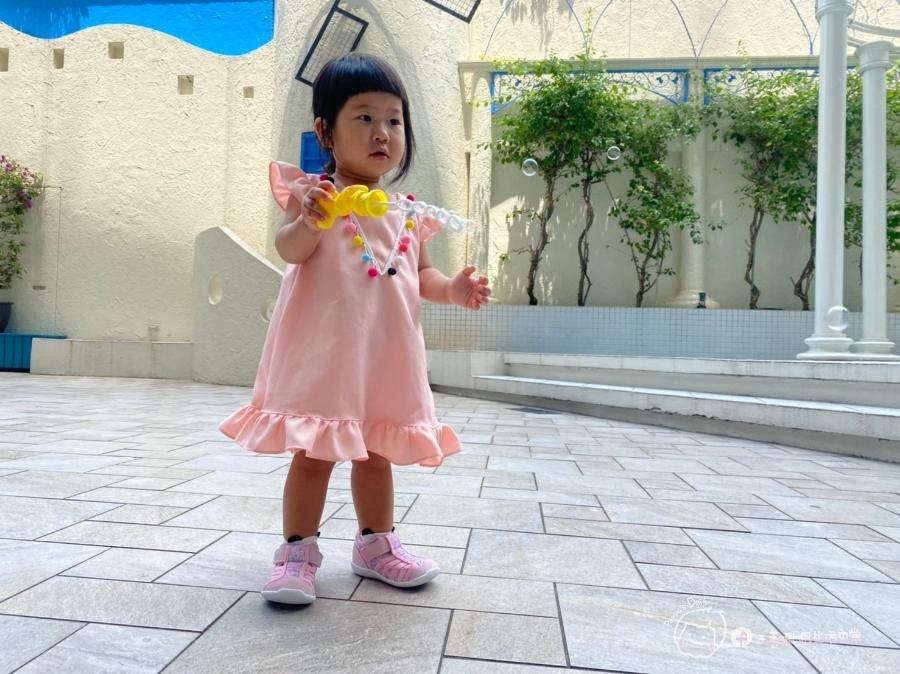 寶寶的第一雙日本IFME機能童鞋 夏天就該有一雙透氣水涼鞋_img_47