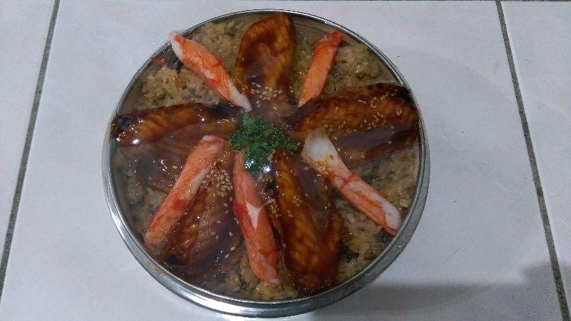 鰻魚蟹肉棒油飯象徵團圓團聚好過年!!!! #年菜