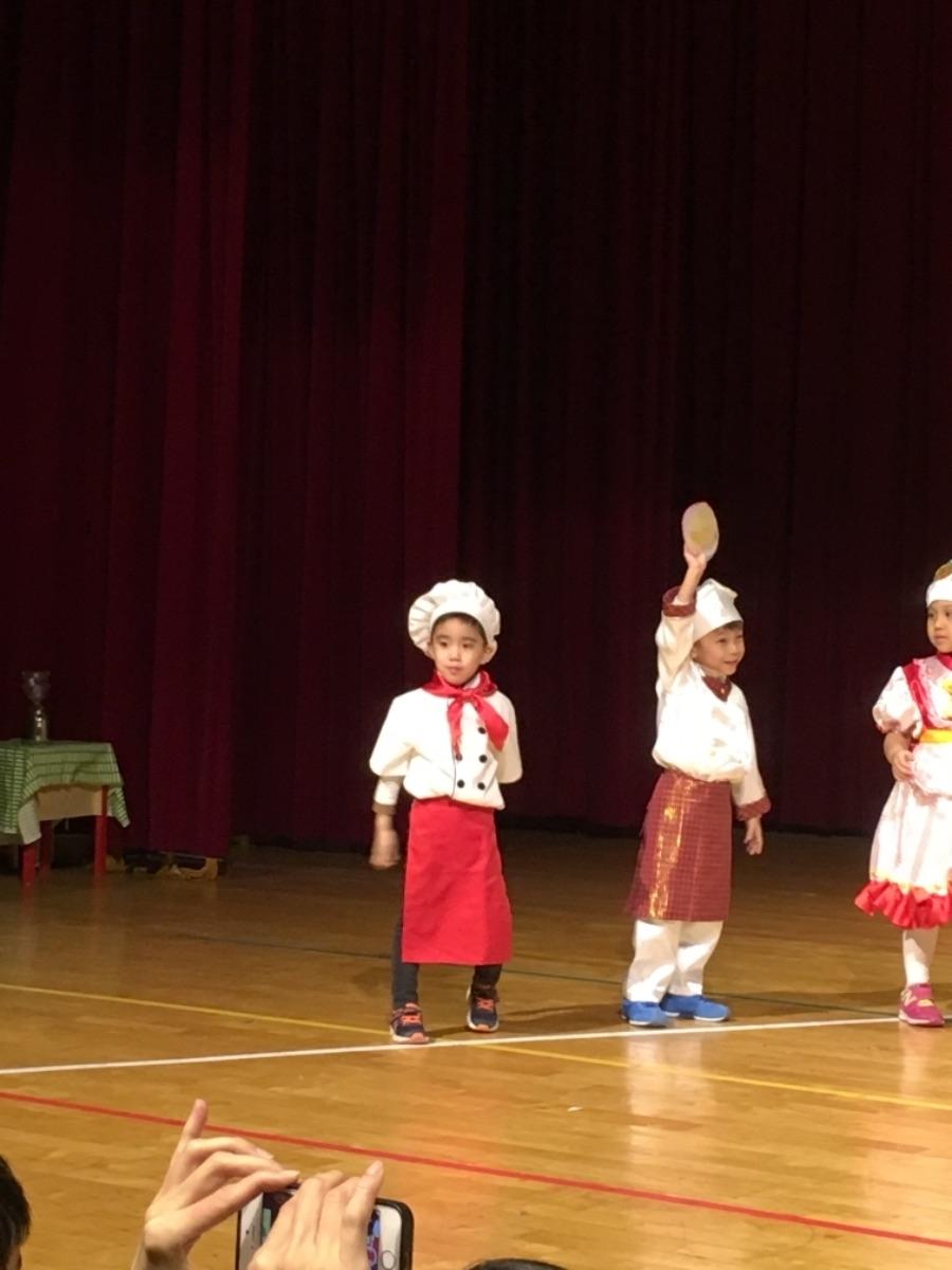 今天是小寶幼兒園的聖誕表演 😍😍😍 #教育