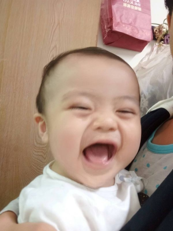 YOYO,你開心的笑容是爸比媽咪化解辛勞的泉源! #爸爸去哪兒