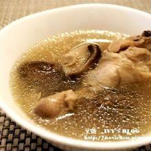 ♥ 艾薇廚房 ♥ 鑄鐵鍋料理。零失敗的基本雞湯料理 ▌香菇雞湯 ▌(步驟圖文版)