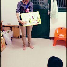 跟孩子說繪本故事前~先動手做書本主角,你會發現孩子變得更專注了....