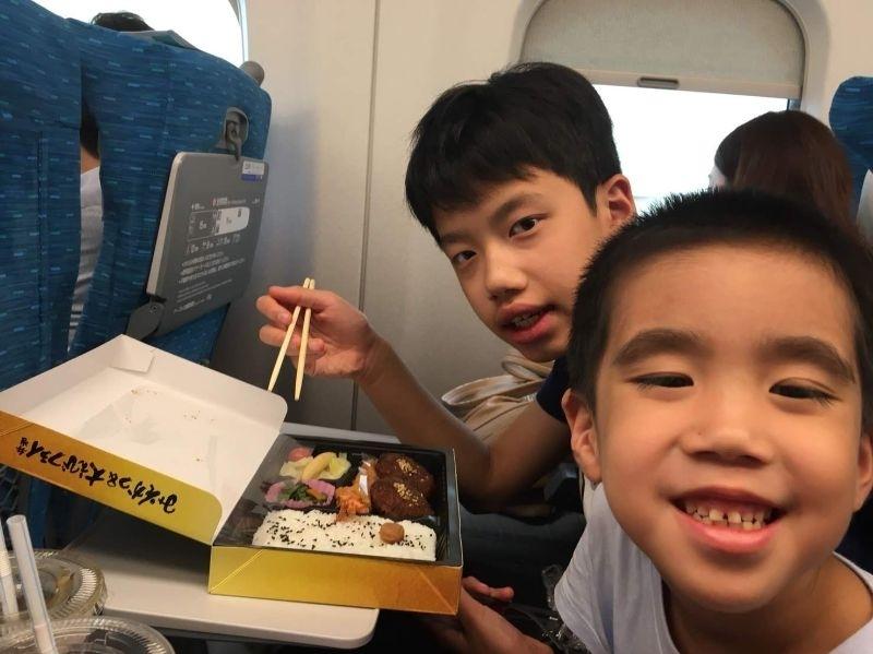 #暑假生活 帶兩兄弟去東京慶祝一起畢業,接著去上學校暑輔