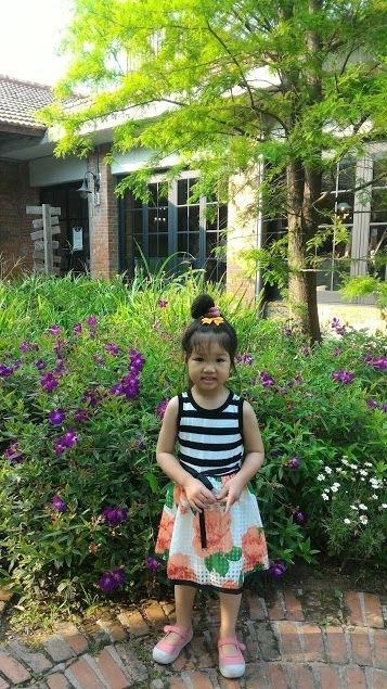 #暑假生活 暑假到了, 帶女兒到陽明山去認識花花草草, 接觸大自然, 呼吸新鮮空氣, 順便遠離城市一下