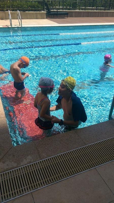 即將進入小學生活的 最後一個快樂假期 要來好好學習游泳 擁有強健體魄 不要怕水 當一個漂亮美人魚 #暑假生活