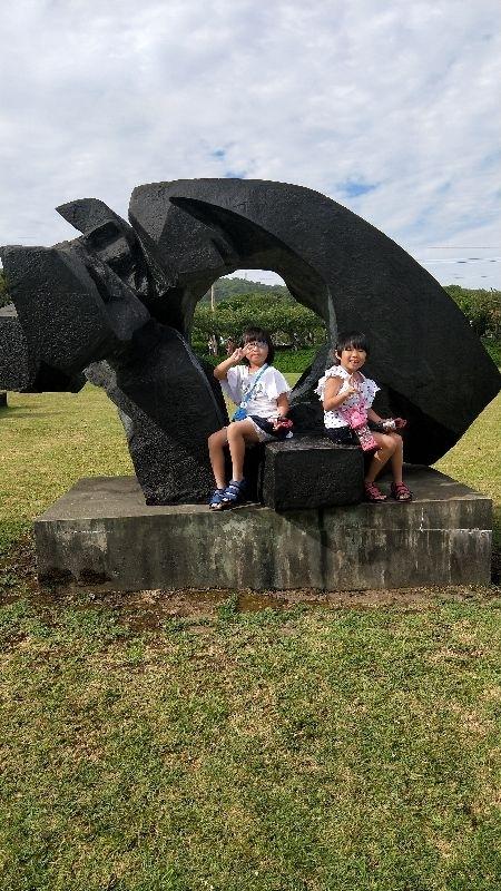 能夠帶妳們一起去看朱銘美術館真的很開心 有個美好童年含和回憶 #親子旅遊 #暑假生活 😘😘