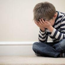邊寫功課邊落淚大叫!六步驟教爸媽提升孩子的抗挫力