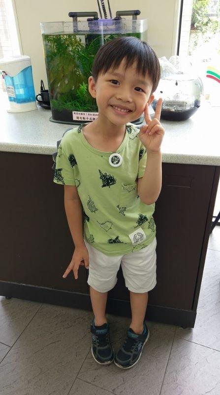 Shawn寶貝,你開心的笑容是爸比媽咪化解辛勞的泉源。 #爸爸去哪兒