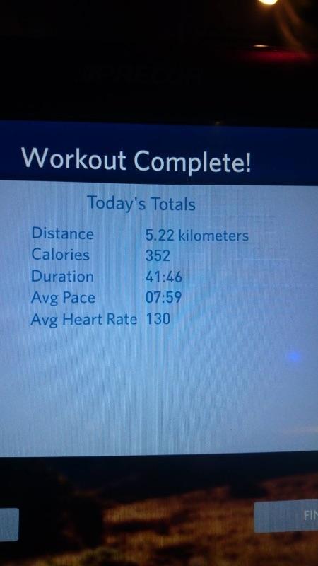 加入健身房2個月又21天,今天終於又有新的里程碑, 從每天2K,到今天跑了5K(速7.7-7.8),花了39分鐘,真是開心!! #健康