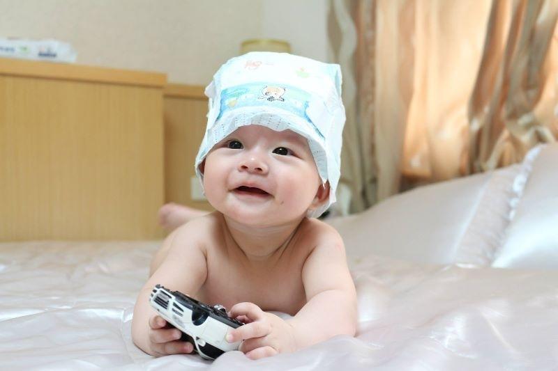 Elsa棠棠寶貝,你開心的笑容是爸比媽咪化解辛勞的泉源。 #爸爸去哪兒