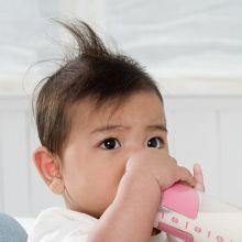嬰兒也會便祕?原來是少吃蔬果泥