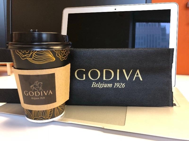 謝謝好姐妹好夥伴的GODIVA濃黑巧克力, 運動完的愛心巧克力,果然甜在心裡😍也甜在嘴裡😋 #姊就愛喝品牌