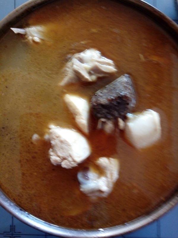 團圓飯婆煮麻油雞湯有滿滿的愛和祝福~起雞~ 起家~ #年菜 #年菜