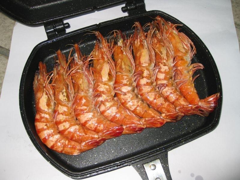 中秋還沒到,但是好想吃烤肉oh... 聽說這咖鍋子在台灣賣了十年,仍然強強滾~ 又是韓國製造的,應該品質不錯 就滑兩下手機, 下手敗了 煎魚烤肉方便, 不用油就可以煎出漂亮鱈魚!! 跟各位媽咪一起來分享我的烤肉偷吃步神器 誰說中秋節才能烤肉~ 嘴饞時隨時烤一下 輕鬆方便快! #媽咪界料理神器 #不沾鍋 #鉅豪不沾鍋