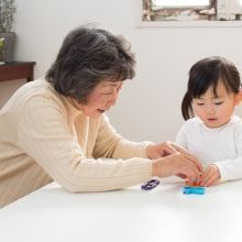 如何營造祖孫親密互動的機會?透過「角色扮演」觸發孩子同理心
