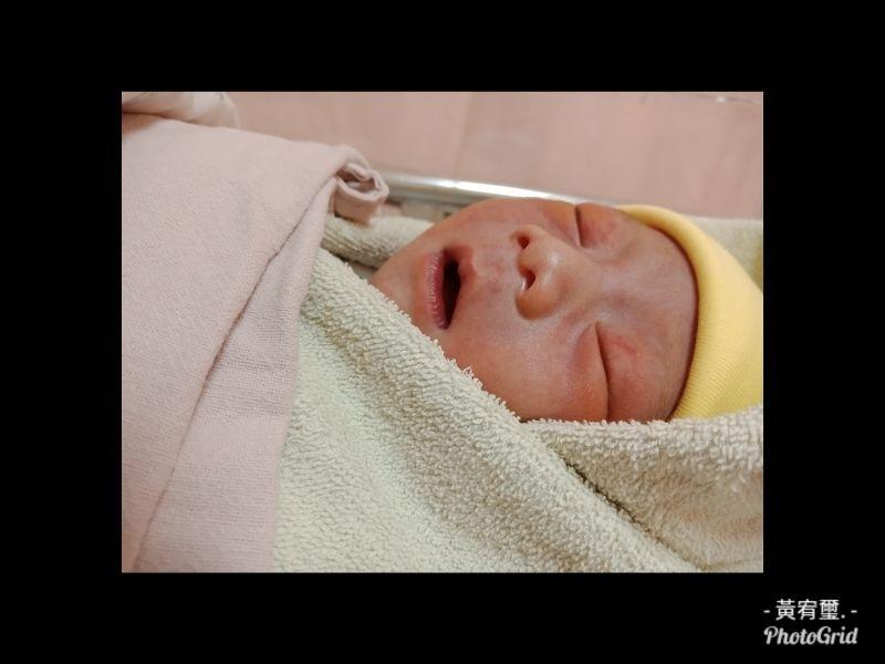 親愛的寶👶 歡迎你來到這個世界🌍 媽咪只希望你平安健康快樂長大❤ #新生兒報到