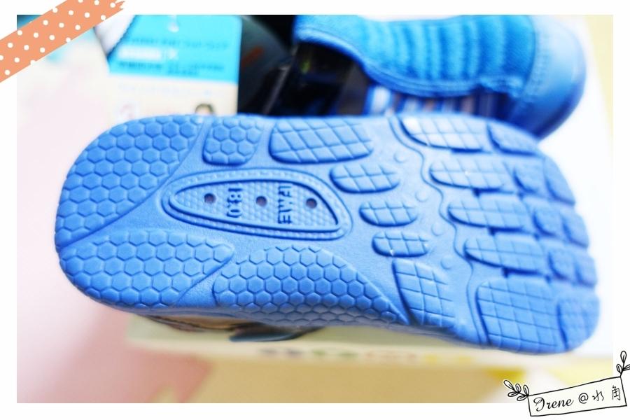 【IFME運動機能水涼鞋】水陸兩用超強大!寶貝開心玩超嗨~_img_11