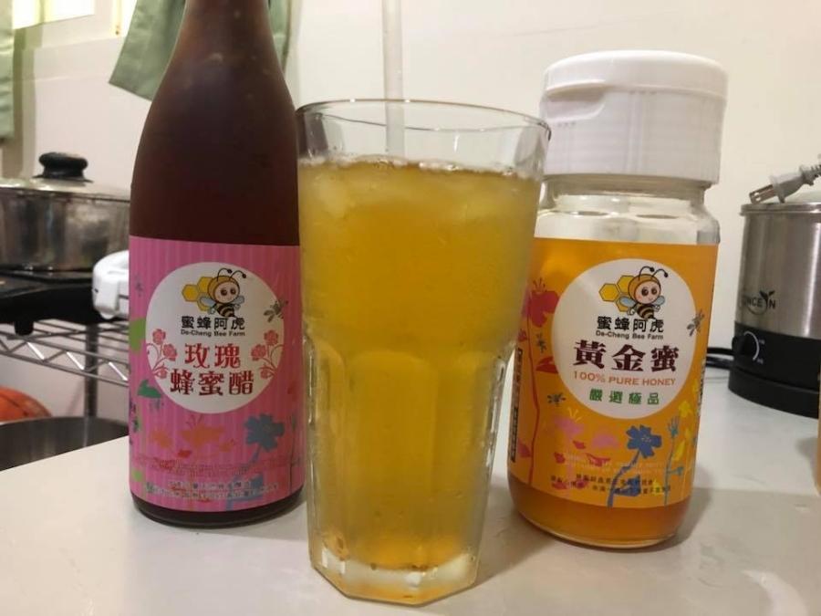 蜂蜜推薦~蜜蜂阿虎~鬆餅跟果汁最佳的好朋友