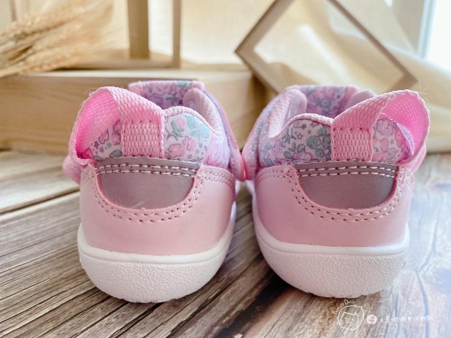 寶寶的第一雙日本IFME機能童鞋 夏天就該有一雙透氣水涼鞋_img_28