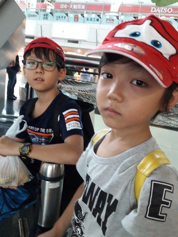 劉奉和劉智,搗蛋兄弟倆永遠是家裡的活寶。 #爸爸去哪兒
