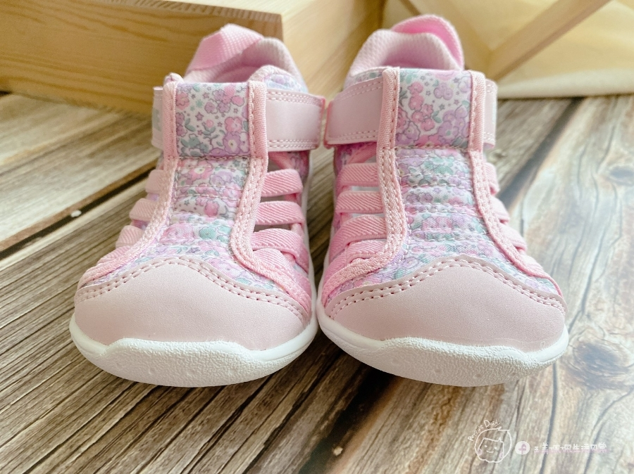 寶寶的第一雙日本IFME機能童鞋 夏天就該有一雙透氣水涼鞋_img_32