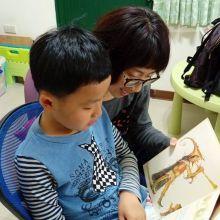 讓孩子學著故事主角當個聰明又有智慧的人也讓孩子培養語文能力發展推薦上人文化世界經典文學繪本