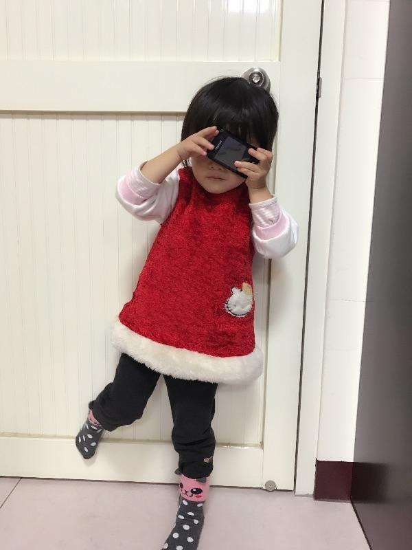 過年就是要穿紅衣服沾喜氣! #萌娃