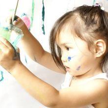 只要幾滴檸檬精油!讓你輕鬆擦掉牆面蠟筆、鉛筆痕跡