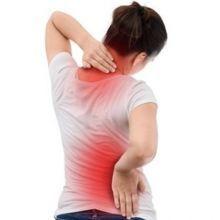 肩膀一高一低,那抬高肩膀就可以矯正?物理治療師:「脊椎側彎」沒你想的那麼簡單