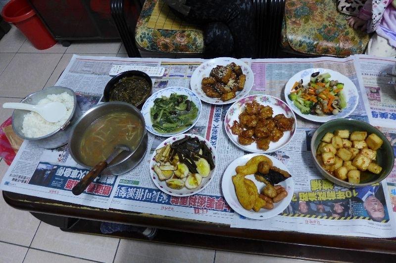 今天可能有好多人不能一起吃團圓飯 所以全家可以一起吃年菜,就好幸福 #年菜