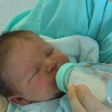 寶寶的吐奶與溢奶